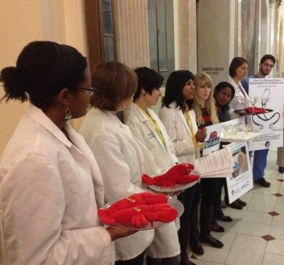 "Med students serve ""lobsters"" and ""martinis"" at State House event"